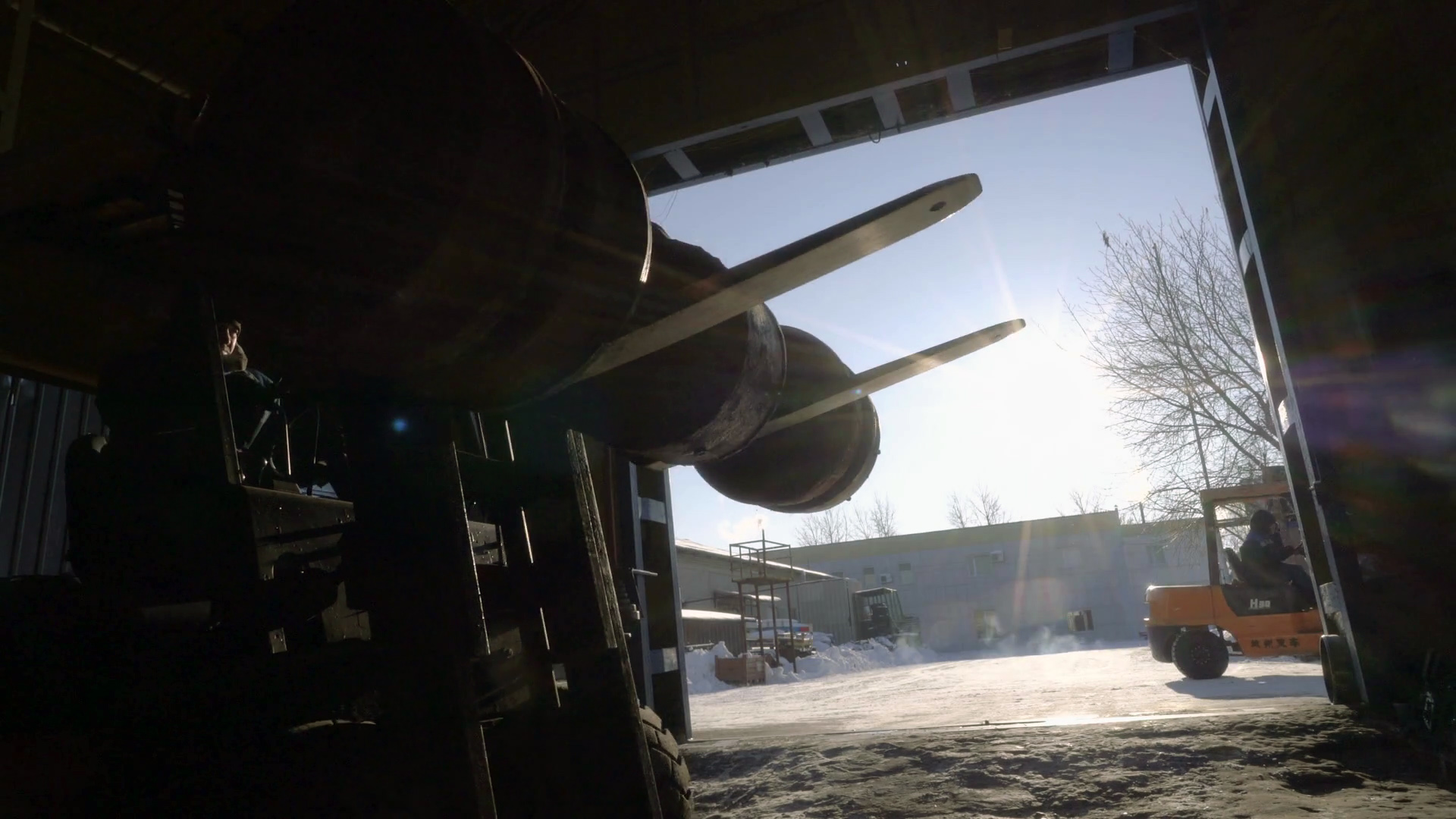 Cuidado de baterías industriales para montacargas en clima frío