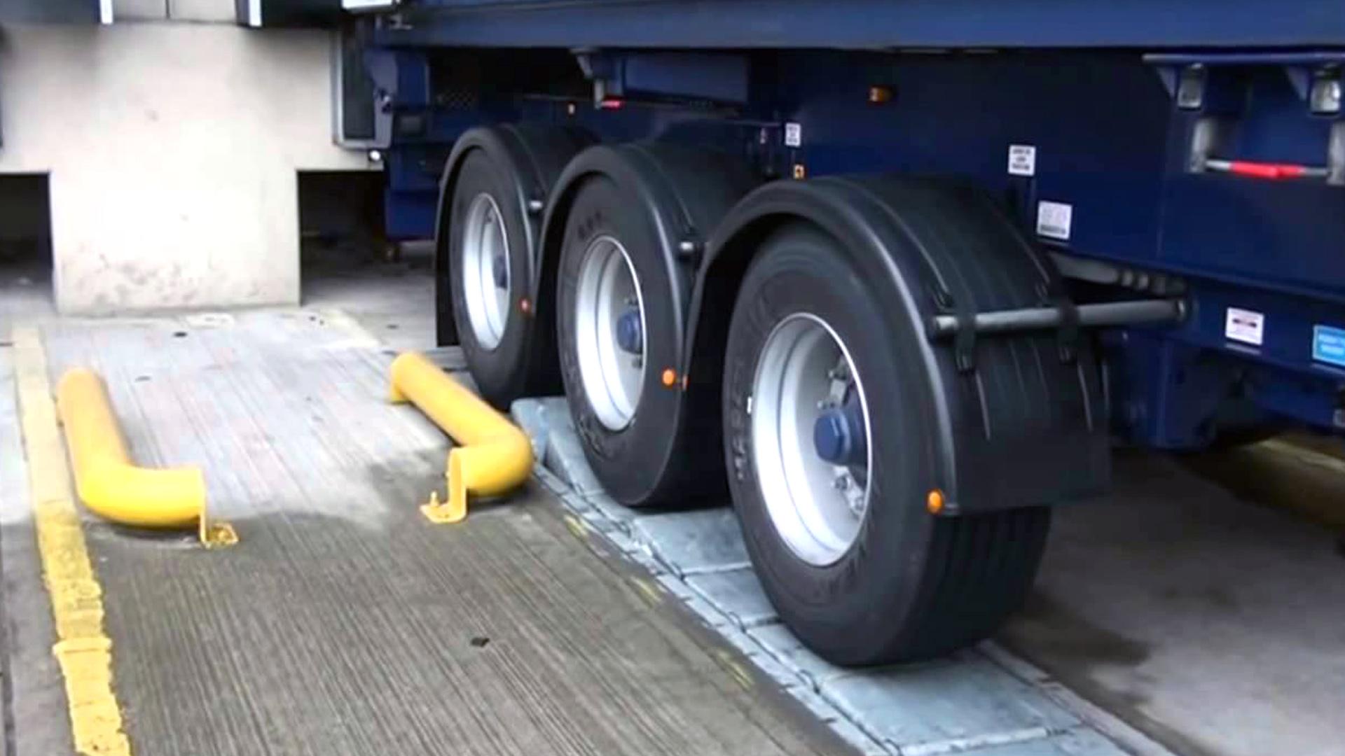 3. Asegurar camiones y remolques