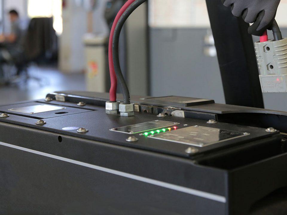 5 útiles consejos en el mantenimiento de baterías industriales para montacargas