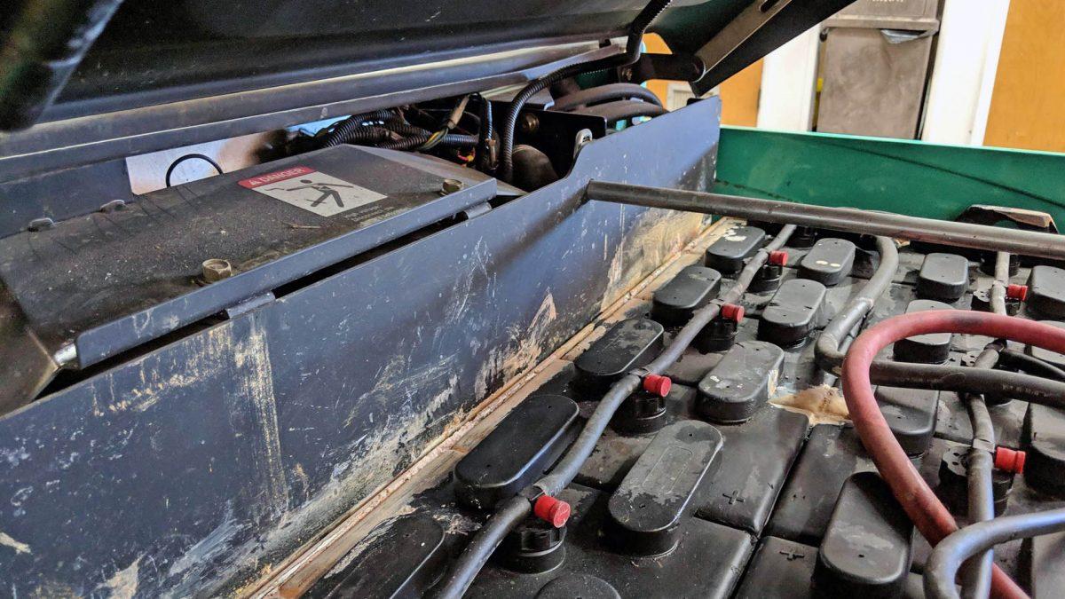 ¿Cómo prevenir la sulfatación en las baterías para montacargas?