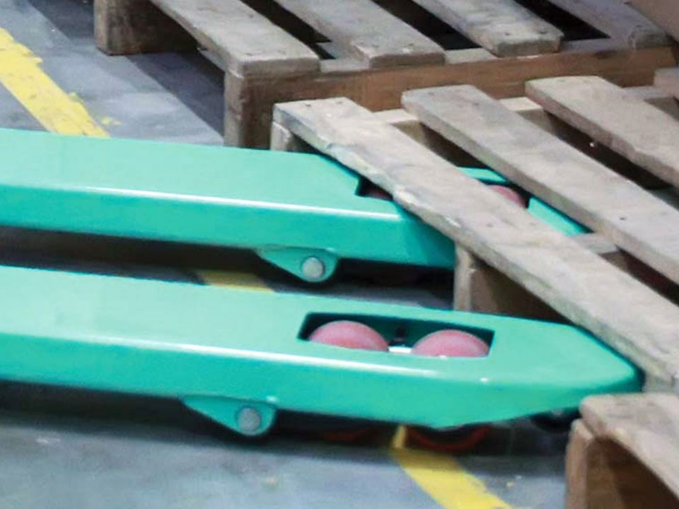 Qué material de ruedas para patín hidráulico es el adecuado, de poliuretano o nylon