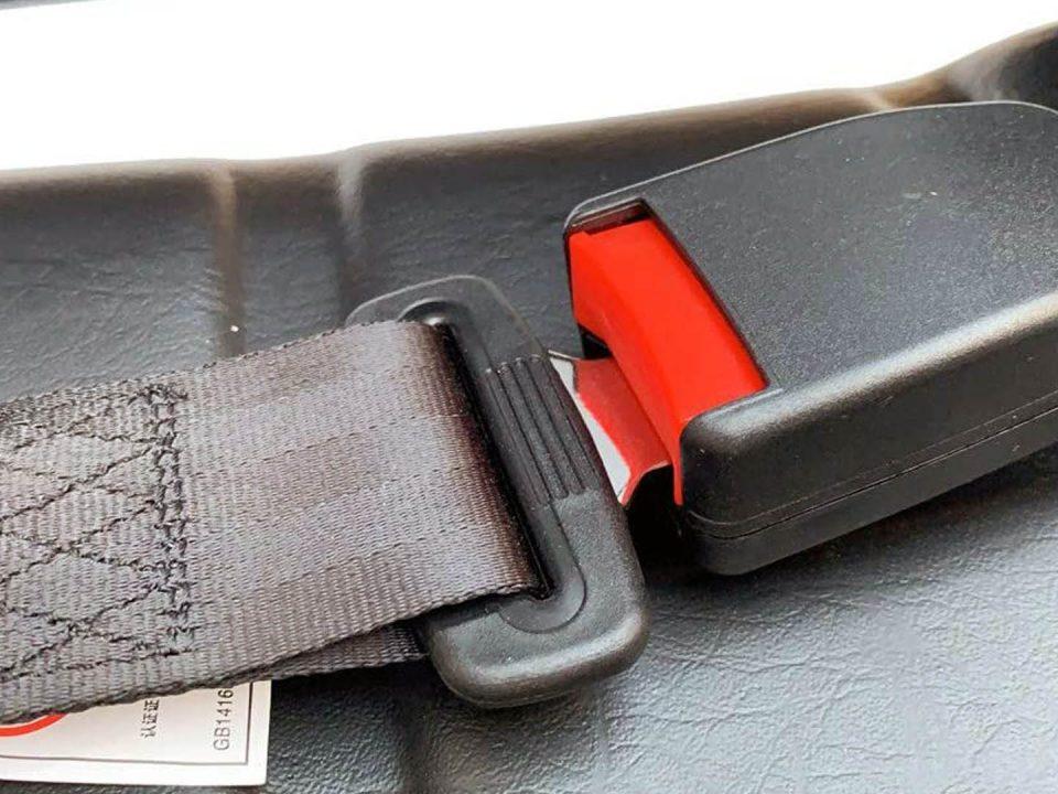 Qué tan importante es el cinturón de seguridad en un montacargas